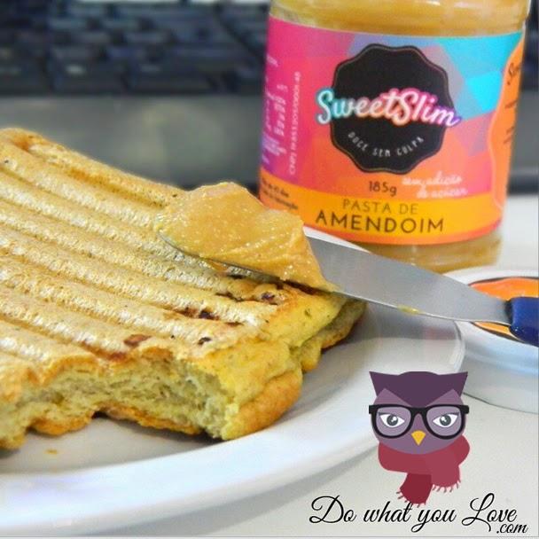 Pão de Aveia DWYS2 com pasta de amendoim Sweet Slim