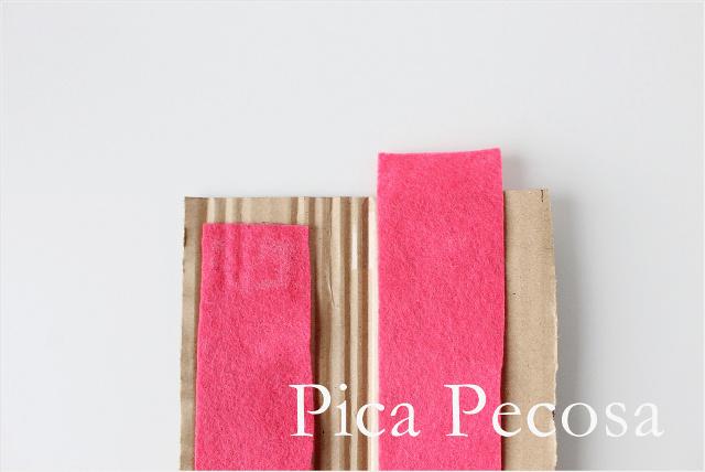 tutorial-hacer-funda-rigida-diy-regla-carton-reciclado-fieltro-paso-3