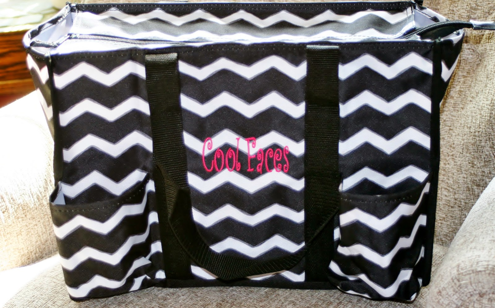 Cool Faces, Thirty-One, Customized, organized