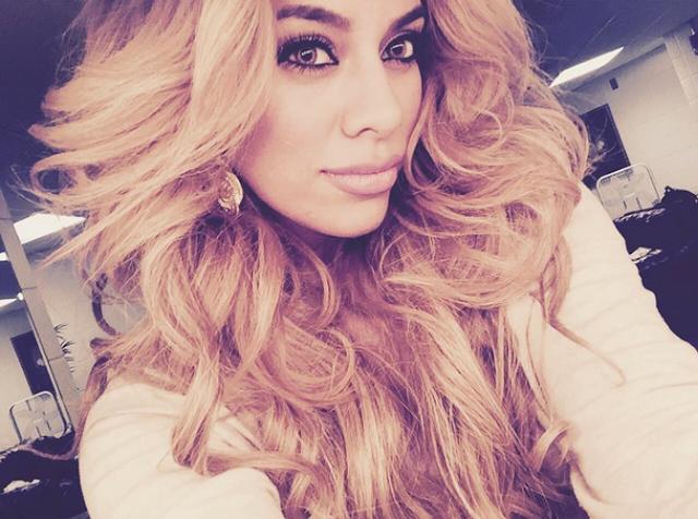 Integrante de Fifth Harmony, Dinah Jane, vuelve al estudio ¡SOLA!