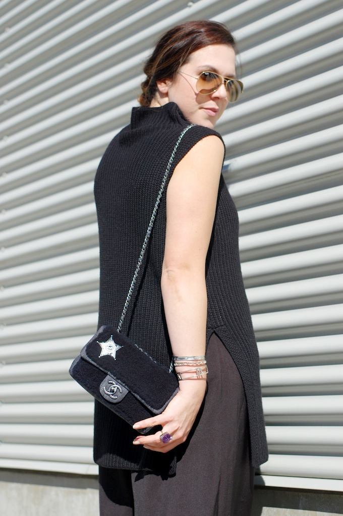Aritzia Wilfred Durandal sweater, CHANEL Dallas shearling bag and Forever 21 culottes