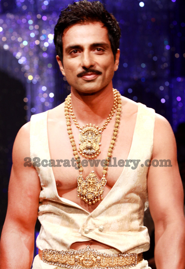 Sonu Sood Showcasing Nakshi Jewelry