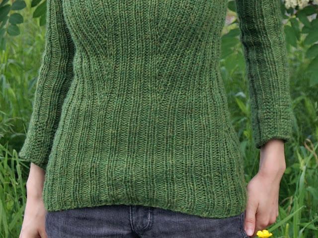 Chandail tricoté  en côtes Snow White par Ysolda Teague