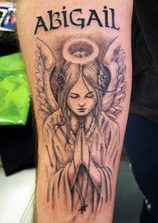 tatuaje de angeles y alas