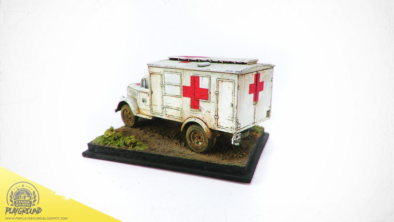 Kfz_305_Ambulance_0007.jpg
