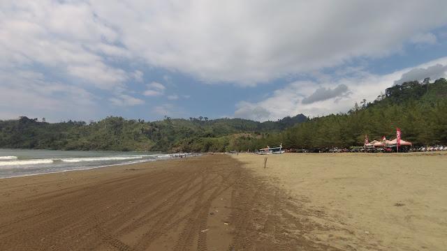 Pesona Pantai Gemah Tulungagung