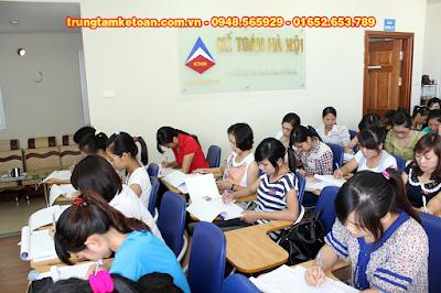 Học kế toán tổng hợp, kế toán thực hành tại KĐT Việt Hưng - Long Biên