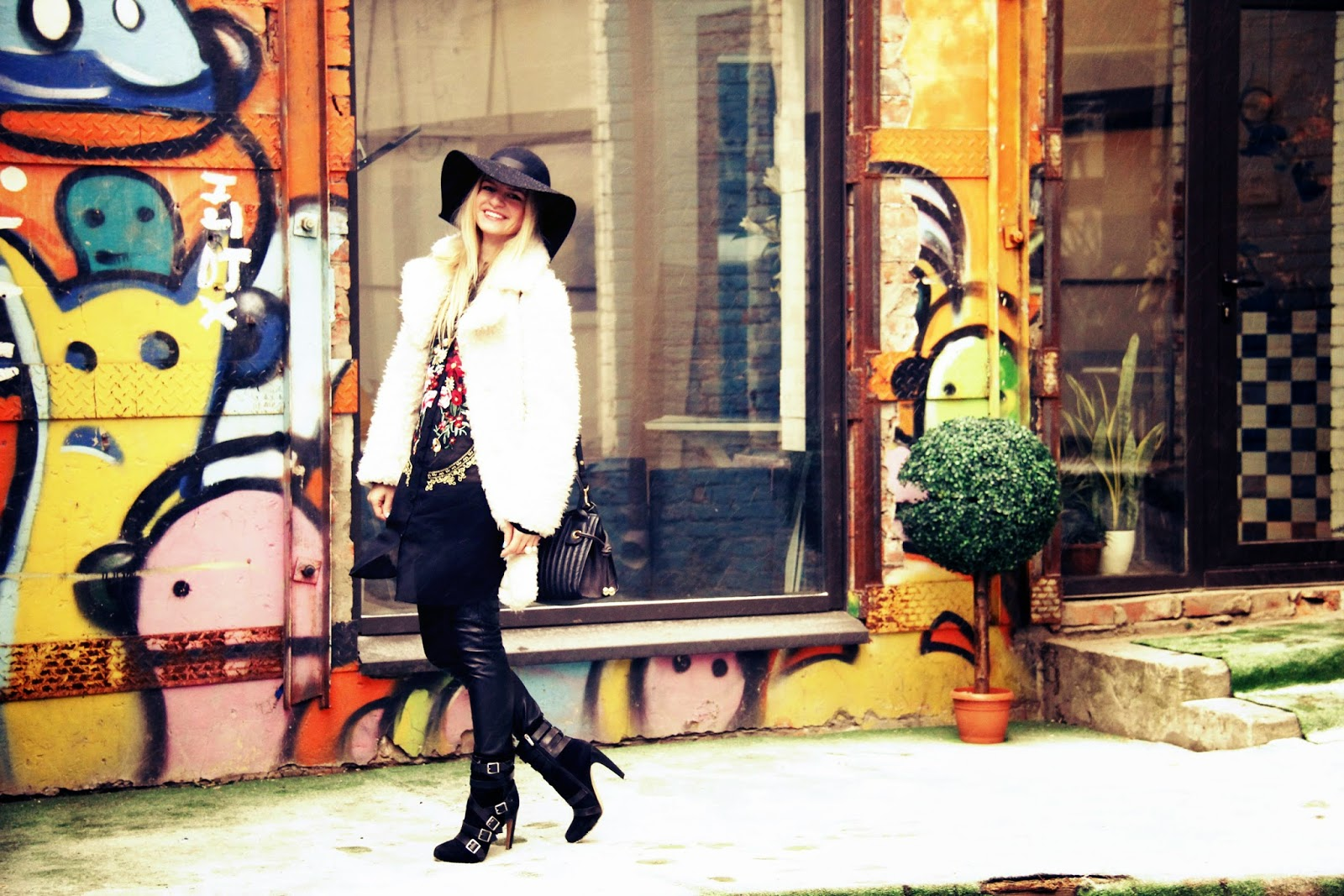 Boho chic in winter, street style, winter trends