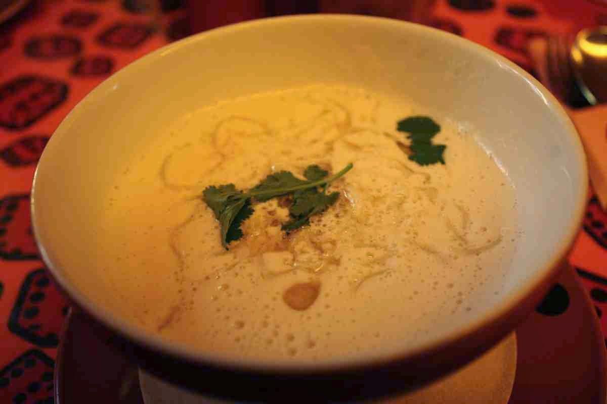 Köstlich: Kokos-Garnelensuppe mit Koriander