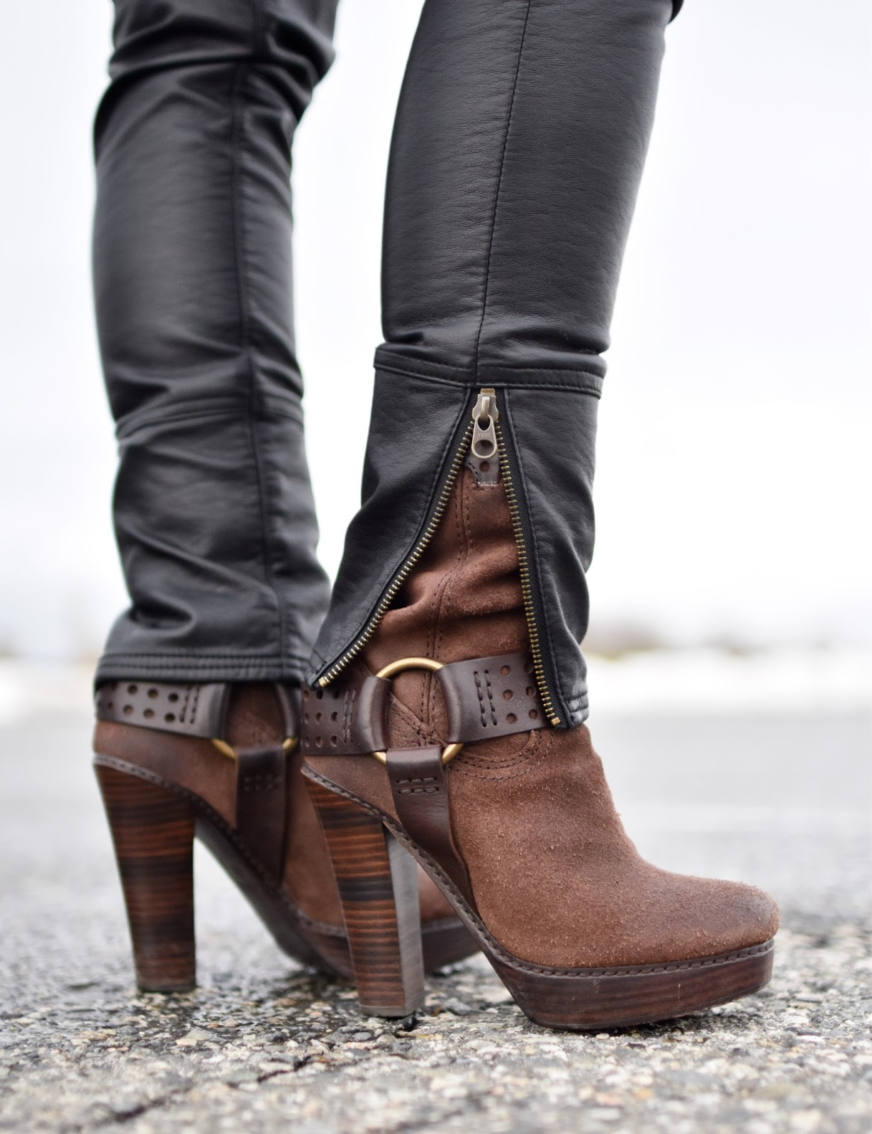 Monika Faulkner outfit inspiration - vegan leather jeans, Frye harness boots