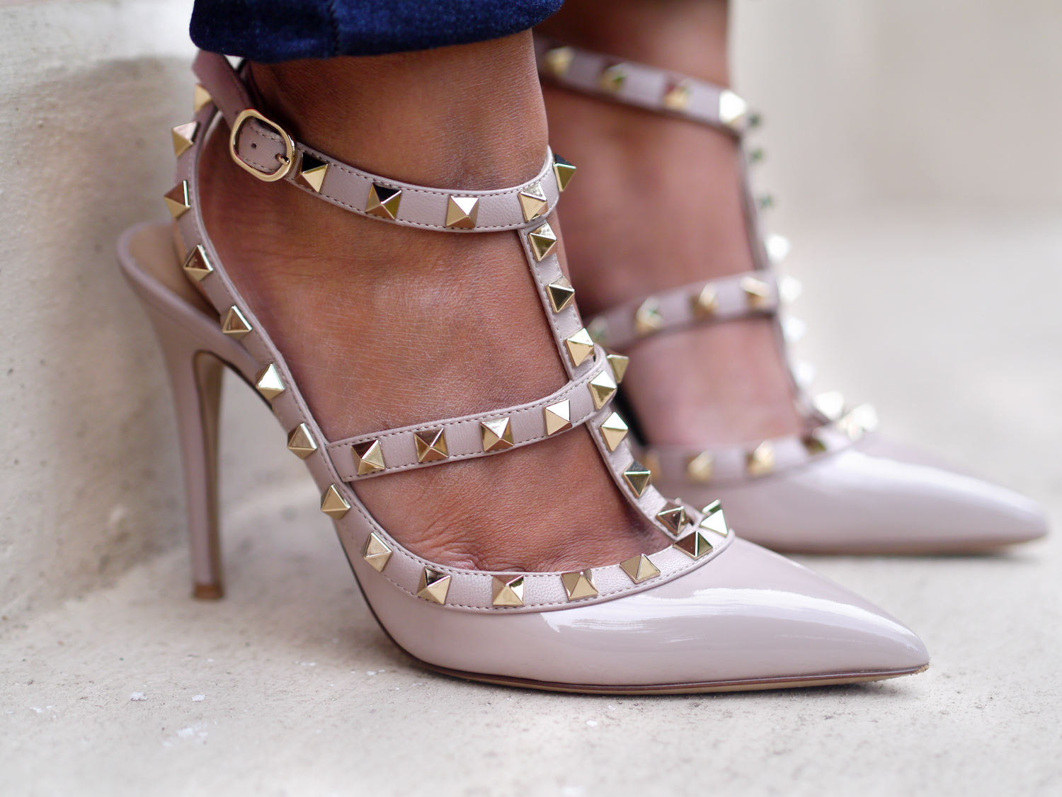 Buying the Valentino Rockstud heels