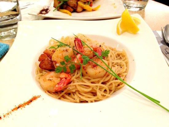 esep spaghetti aglio olio seafood
