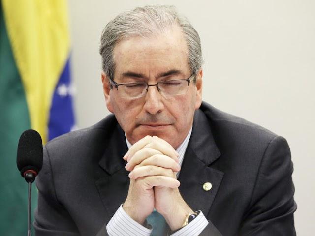 Bruxo prevê morte de Eduardo Cunha e prisão de centenas de políticos