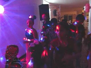 recreacionistas-medellin-chiquiteca-efectos-de-luces-para-fiestas-infantiles-6