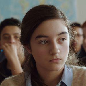 Marion (Luana Bajrami) dans Marion, 13 ans pour toujours