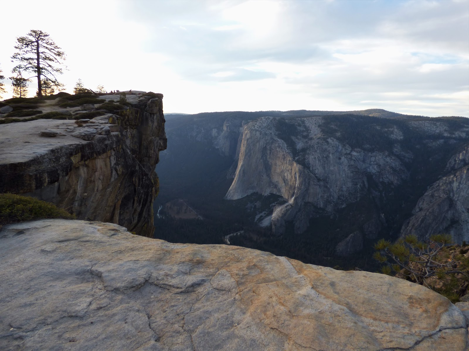 Geotripper: Looking Down on Yosemite: A Return to Taft Point