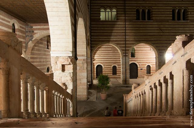 Verona noche viaje ciudades visitar Italia