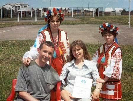 Toda la familia: Oleh, Nataliya, Anna and Mariya en 2002.