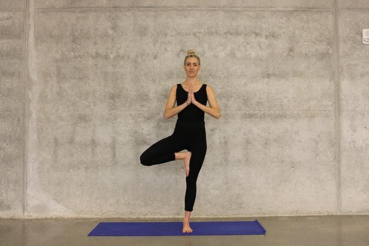 हाइट है कम तो करें ये लम्बाई बढ़ाने के योग व्यायाम और पाएं लंबा कद