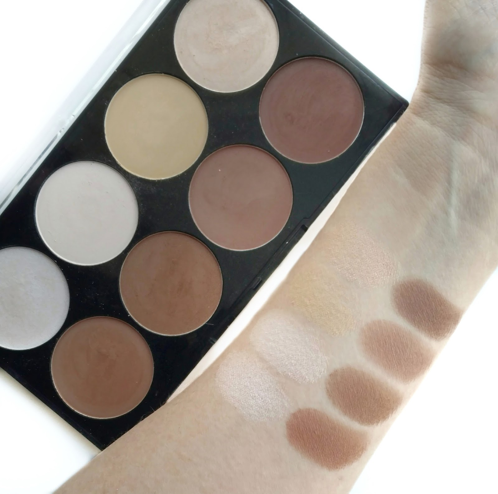 jesse's girl highlight & contour kit swatches