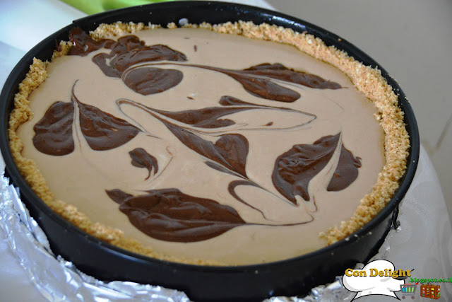 chocolate leaves on cheesecake