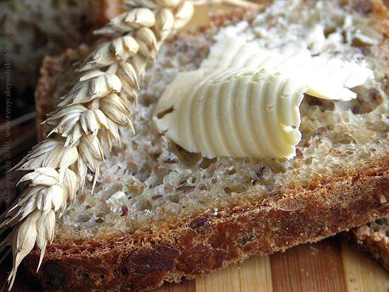 chleb wieloziarnisty pszenny na drożdżach