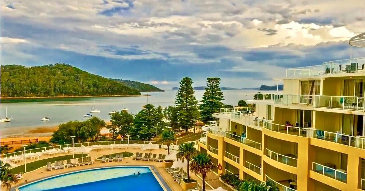 Mantra ettalong beach aussietrek for The balcony bar restaurant byron bay nsw