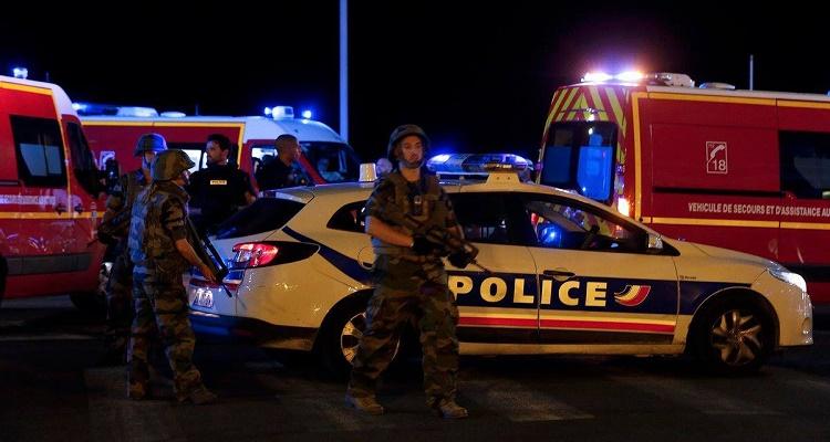 5 صور صادمة من موقع هجوم نيس البارحة