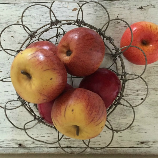 wire egg basket apples