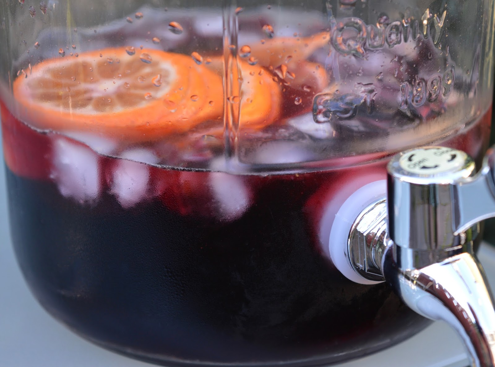 Top Tips for beating the post-holiday blues when you're back at home - make sangria