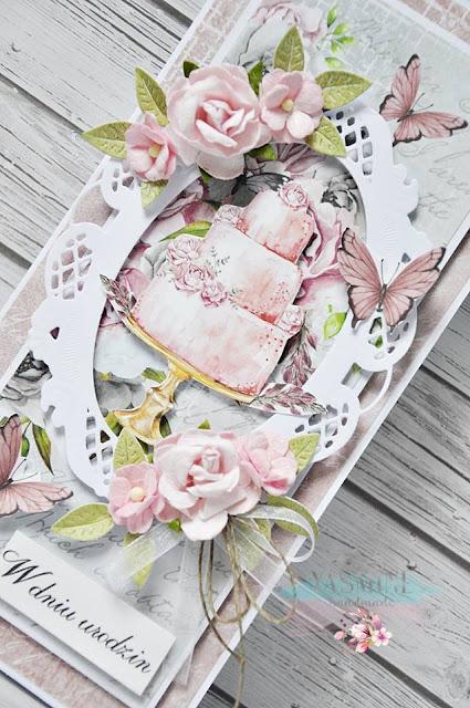 papierowe kwiaty i ażurowa ramka