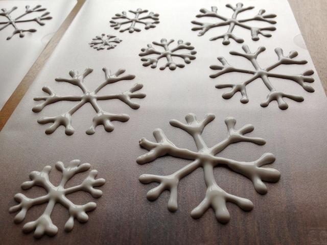 schaeresteipapier sterne aus eis schneeflocken. Black Bedroom Furniture Sets. Home Design Ideas