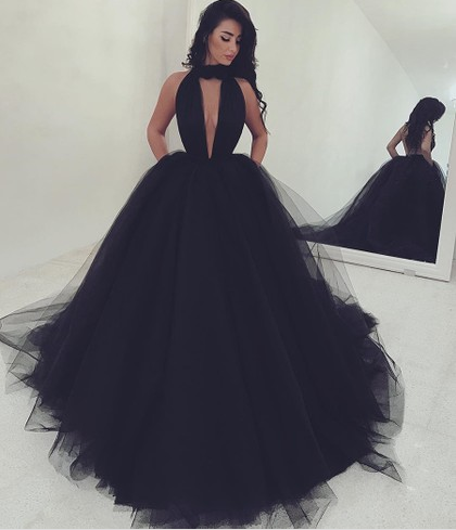 http://www.pickedlooks.com/high-neck-ball-gown-black-tulle-ruffles-sweep-train-backless-hot-ball-dresses-pls020103088-p8120.html?utm_source=post&utm_medium=PL171&utm_campaign=blog