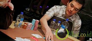 Mulai mengenal Poker saat berangkat ke Amerika