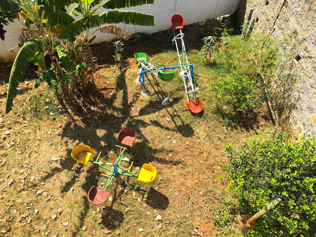 group stays in yelagiri hills
