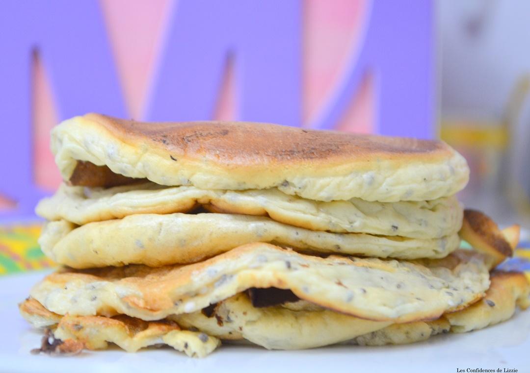 Recette healthy mes d licieux pancakes aux graines de chia les confidences de lizzie blog - Recette petit dejeuner sain ...