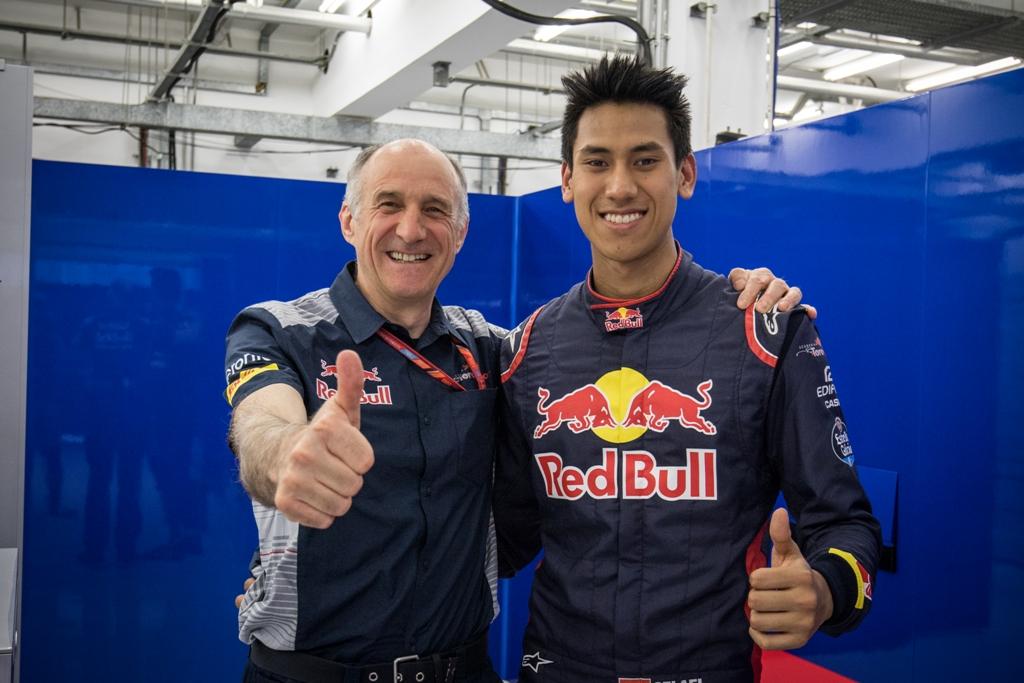 Pembalap Asal Indonesia Mencatatkan Waktu Lebih Baik Dari Sebastian Vettel