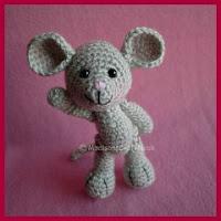 Mini ratón amigurumi