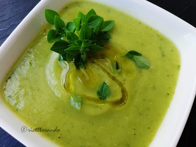 primo piatto freddo crema  di zucchine al basilico