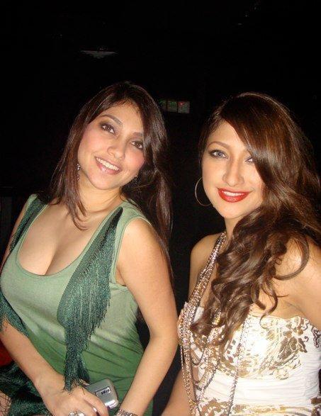 Rahma dan Sarah Azhari