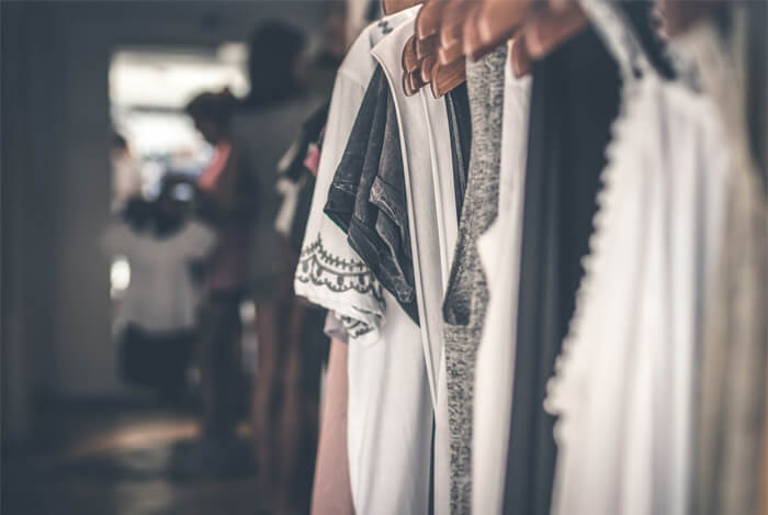 Riciclo abiti e vestiti usati