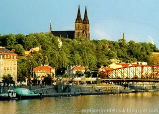 Tempat wisata terkenal di Praha Prague Ceko populer Vysehrad Praha Ceko