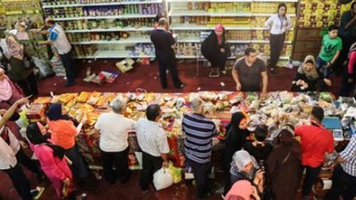 أسعار السلع التموينية بمعارض «أهلًا رمضان»