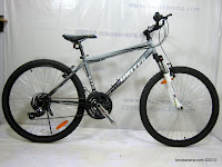 1 Limited Edition 26 Inch United Miami XC02 with SunTour Fork HardTail Mountain Bike