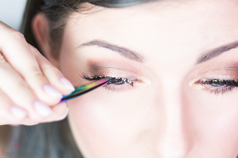 False Lashes Guide Wimper ansetzen