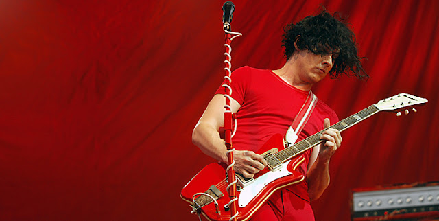 jack white playing guitar