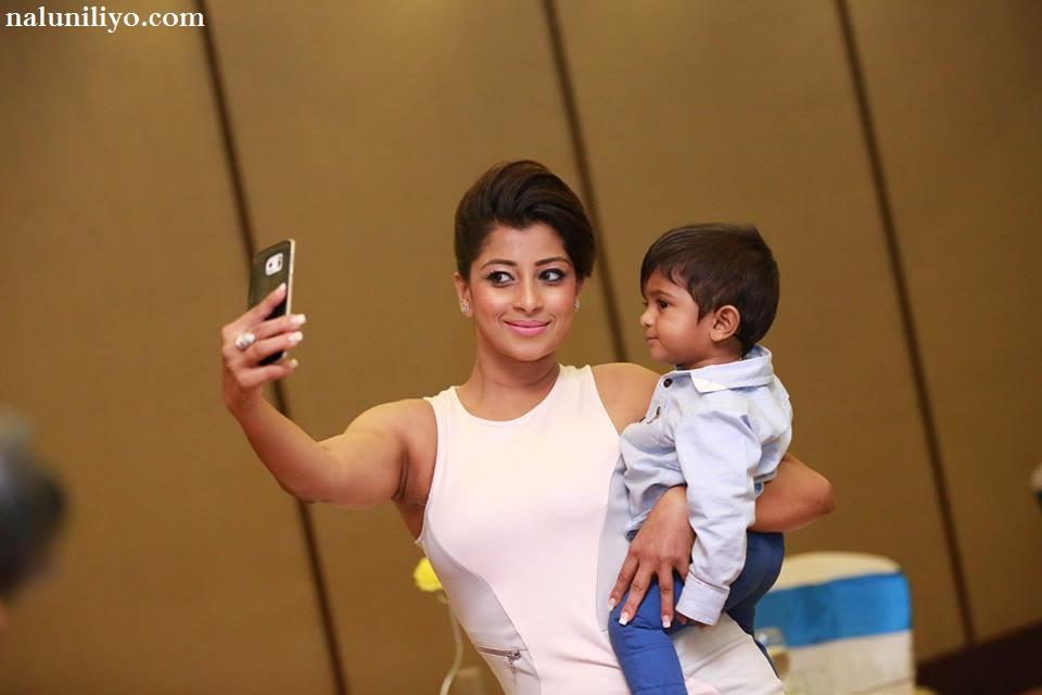 Nadeesha Hemamali new hot photos 2016