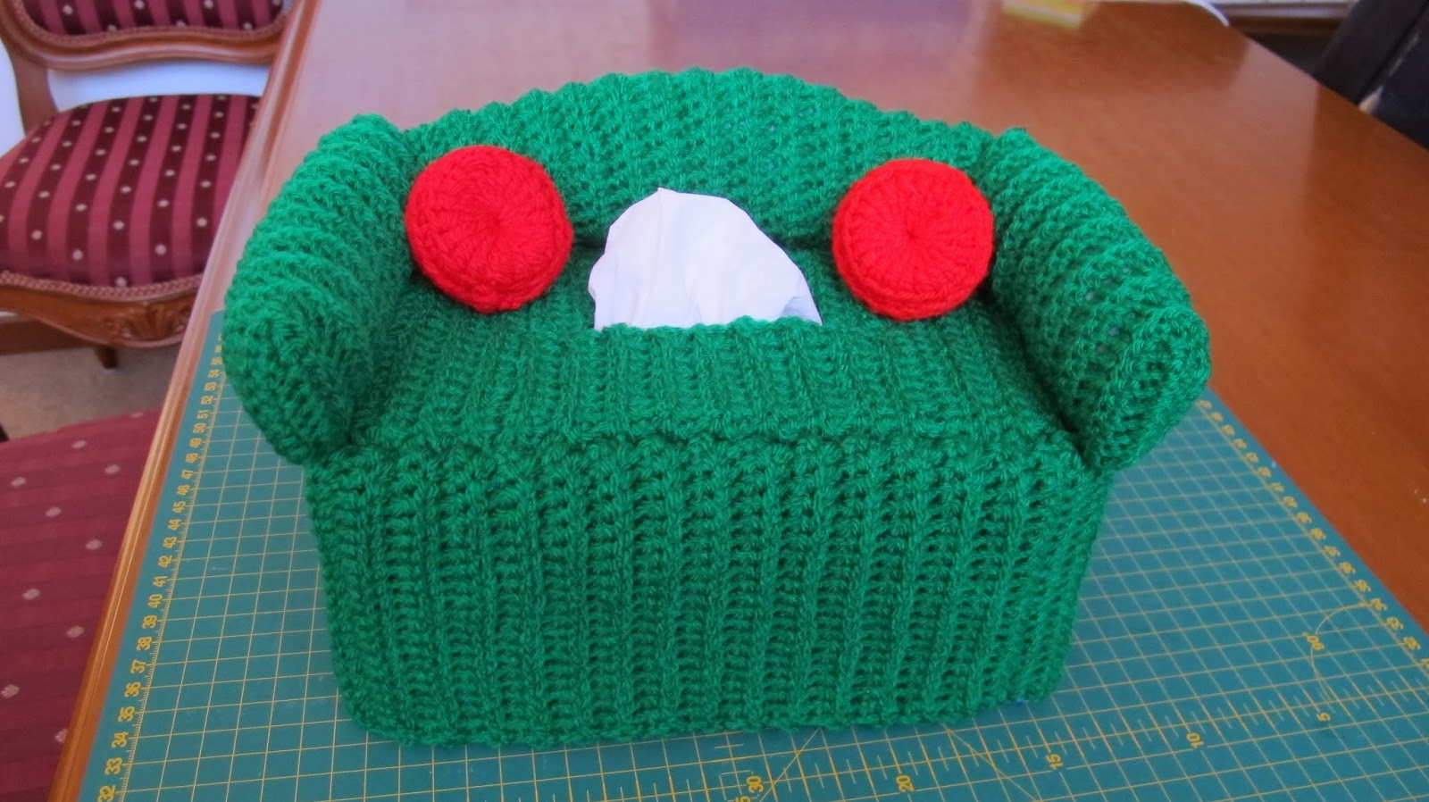 crochet sofa cover patterns beds for dogs hari ku couch tissue box