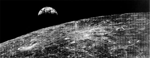 a primeira imagem da Terra vista da Lua