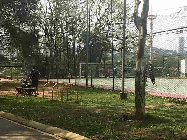 Parque Villa-Lobos - Quadra de futebol